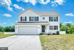 Photo of 142 Farm Lane CIRCLE, York, PA 17408 (MLS # PAYK147184)