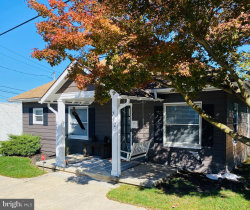 Photo of 212 Hoke STREET, York, PA 17404 (MLS # PAYK147616)