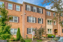 Photo of 1104 N Vermont STREET, Arlington, VA 22201 (MLS # VAAR171560)