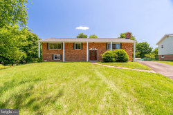 Photo of 6009 Walhaven DRIVE, Alexandria, VA 22310 (MLS # VAFX1070962)