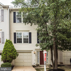 Photo of 14280 Glade Spring DRIVE, Centreville, VA 20121 (MLS # VAFX1074474)