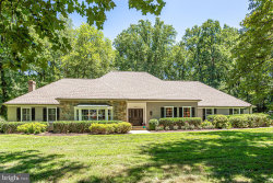 Photo of 10121 Walker Lake DRIVE, Great Falls, VA 22066 (MLS # VAFX1077116)