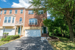 Photo of 2973 Franciscan LANE, Fairfax, VA 22031 (MLS # VAFX1077804)