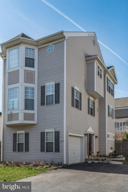 Photo of 8247 Electric AVENUE, Vienna, VA 22182 (MLS # VAFX1088376)