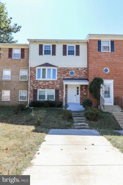 Photo of 13653 Stepney LANE, Chantilly, VA 20151 (MLS # VAFX1090986)