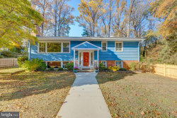Photo of 201 Yeonas DRIVE SW, Vienna, VA 22180 (MLS # VAFX1097848)