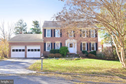 Photo of 13703 Holton PLACE, Chantilly, VA 20151 (MLS # VAFX1099332)