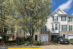 Photo of 5936 Ians WAY, Alexandria, VA 22315 (MLS # VAFX1116592)