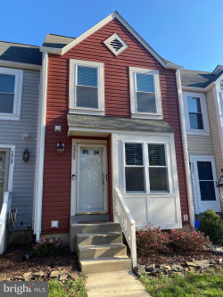 Photo of 5905 Sir Cambridge WAY, Alexandria, VA 22315 (MLS # VAFX1170514)