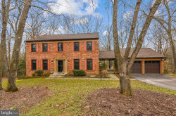 Photo of 2723 Valestra CIRCLE, Oakton, VA 22124 (MLS # VAFX1175490)
