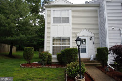 Photo of 14751 Green Park WAY, Centreville, VA 20120 (MLS # VAFX535330)