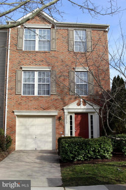Photo of 26112 Lands End DRIVE, Chantilly, VA 20152 (MLS # VALO353162)