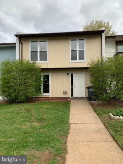 Photo of 9 Howard PLACE, Sterling, VA 20164 (MLS # VALO379124)