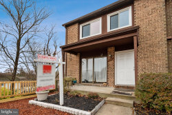 Photo of 100 Giles PLACE, Unit 5, Sterling, VA 20164 (MLS # VALO398880)