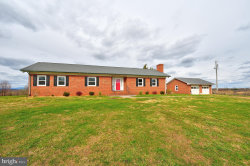 Photo of 1174 Happy Creek ROAD, Front Royal, VA 22630 (MLS # VAWR141954)