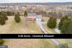 Photo of 528 Bridle Path DRIVE, Martinsburg, WV 25404 (MLS # WVBE160126)