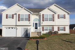 Photo of 64 Beaumont, Inwood, WV 25428 (MLS # WVBE160768)
