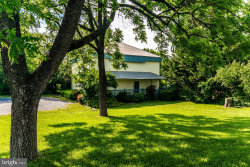 Photo of 3628 Winchester AVENUE, Martinsburg, WV 25405 (MLS # WVBE171894)