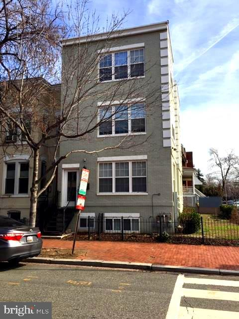 Photo for 701 10th STREET NE, Washington, DC 20002 (MLS # DCDC311470)