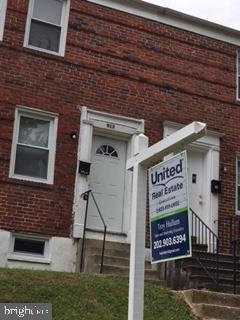 Photo of 913 Saint Dunstans ROAD, Baltimore, MD 21212 (MLS # MDBA471518)