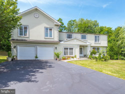Photo of 9711 Locust Hill DRIVE, Great Falls, VA 22066 (MLS # VAFX1078496)