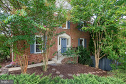 Photo of 6161 Summer Park LANE, Alexandria, VA 22315 (MLS # VAFX1088316)