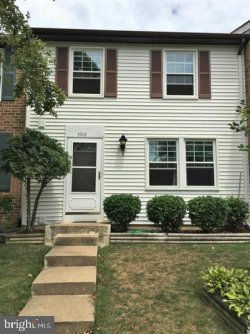 Photo of 5902 Spruce Run COURT, Centreville, VA 20121 (MLS # VAFX1128740)