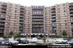 Photo of 8370 Greensboro DRIVE, Unit 626, Mclean, VA 22102 (MLS # VAFX1139366)