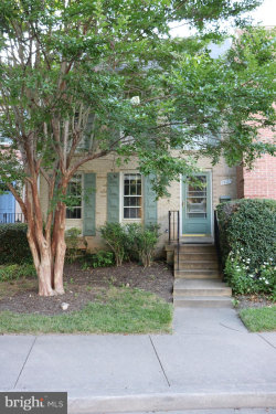 Photo of 7427 Hallcrest DRIVE, Mclean, VA 22102 (MLS # VAFX1140632)