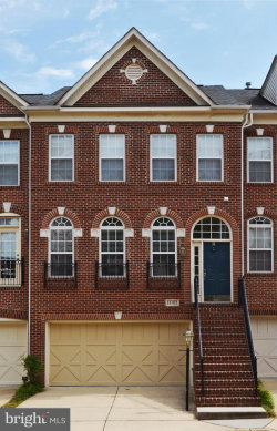 Photo of 13182 Fox Hunt LANE, Herndon, VA 20171 (MLS # VAFX992124)
