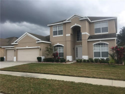 Photo of 7263 Winding Lake Circle, OVIEDO, FL 32765 (MLS # O5529370)