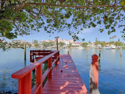 Photo of 375 Bay Plaza, TREASURE ISLAND, FL 33706 (MLS # U7822459)