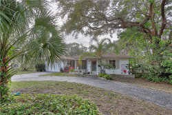 Photo of 32 Evonaire Circle, BELLEAIR, FL 33756 (MLS # U7848291)