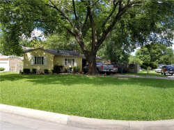 Photo of 5260 Westcrest Drive, Fort Worth, TX 76115 (MLS # 13636146)