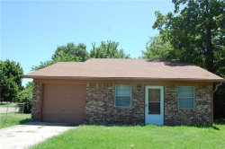 Photo of 1210 S Clements Street, Gainesville, TX 76240 (MLS # 13646341)