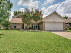Photo of 714 Lakewood Lane, Grapevine, TX 76051 (MLS # 13647966)