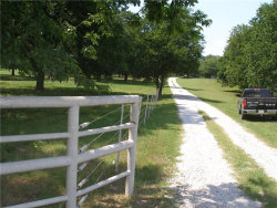 Photo of 4083 E Hwy 82 Highway, Gainesville, TX 76240 (MLS # 13648440)