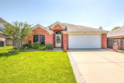 Photo of 1008 Winston Drive, Euless, TX 76039 (MLS # 13650106)
