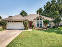 Photo of 605 Oak Lane, Grapevine, TX 76051 (MLS # 13652515)