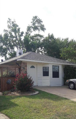 Photo of 920 Boxwood Drive, Lewisville, TX 75067 (MLS # 13655255)