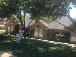 Photo of 8732 Lake Country Drive, Fort Worth, TX 76179 (MLS # 13677592)