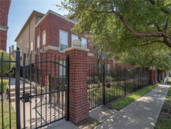 Photo of 1013 W Bluff Street, Fort Worth, TX 76102 (MLS # 13689272)