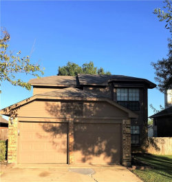 Photo of 923 Boxwood Drive, Lewisville, TX 75067 (MLS # 13713306)