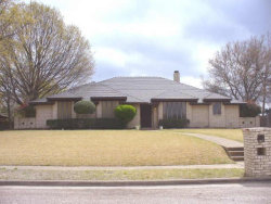 Photo of 333 Creekwood Drive, Lancaster, TX 75146 (MLS # 13713980)