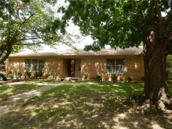 Photo of 5525 Waits Avenue, Fort Worth, TX 76133 (MLS # 13714107)