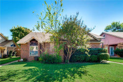 Photo of 609 Canterbury Street, Euless, TX 76039 (MLS # 13714747)