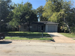 Photo of 1602 Dale Drive, Arlington, TX 76010 (MLS # 13716222)