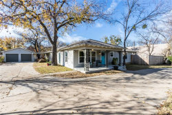 Photo of 526 Ball Street, Grapevine, TX 76051 (MLS # 13738189)
