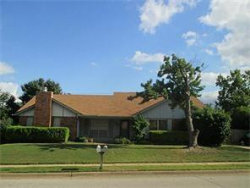 Photo of 505 Augustine Drive, Euless, TX 76039 (MLS # 13739968)