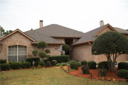 Photo of 1725 Parkwood Drive, Grapevine, TX 76051 (MLS # 13740795)